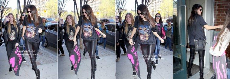 Kendall lors du MET Ball, le 5 mai 2014, à New York + Kendall s'est rendue à l'appartement de Kanye West, le 5 mais 2014, à New York.