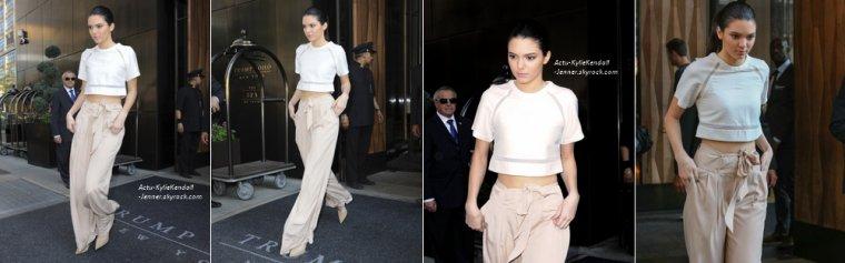 Kendall et Kylie, lors d'une séance de dédicaces de leur livre Rebels: City Of Indra - The Story of Lex and Livia dans la librairie Bookends, à Ridgewood, le 3 juin 2014 + Kendall et Kylie, à la sortie de leur hôtel, à New York, le 2 juin 2014.