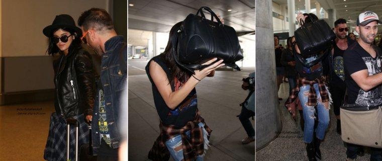 Kendall et Kylie sont arrivées à l'aéroport de Toronto, au Canada, le 14 juin 2014 + Kylie était au coiffeur Andy Lecompte, le 13 juin 2014, à West Hollywood + Kylie a passé la soirée avec une amie, le 11 juin 2014, à Calabasas.