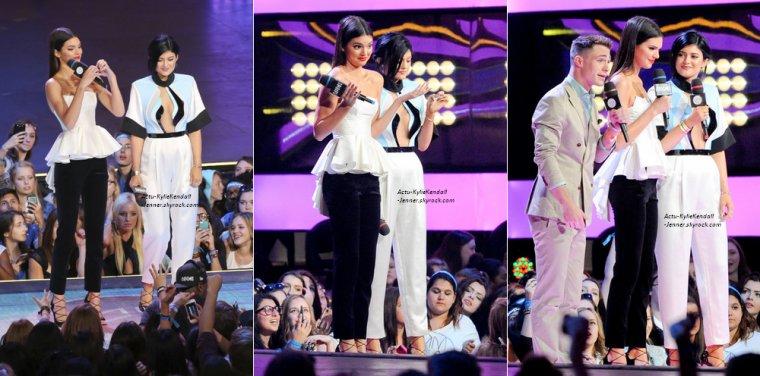 Kendall et Kylie présentaient les MuchMusic Video Awards, le 15 juin 2014, à  Toronto, au Canada.
