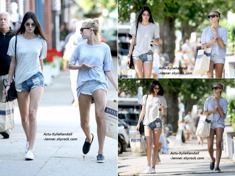 Kendall faisant du shopping avec son amie Hailey, le 1 juillet 2014, dans les Hamptons.