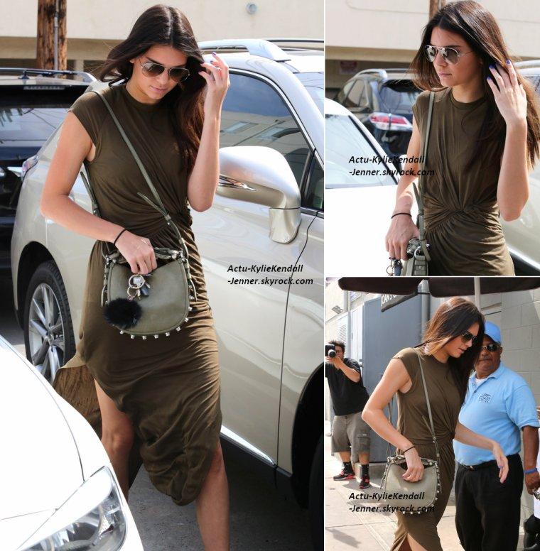Kendall était au restaurant Joan's on Third, le 12 juillet 2014, à Beverly Hills + Kylie était avec son ami Shamari au Sugarfish, le 11 juillet 2014, à Calabasas.