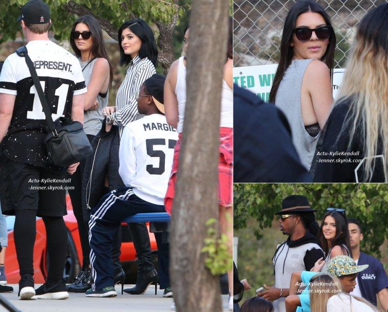 """Kylie et Kendall se sont rendues à un événement sportif """" Kick Ball Game """", pour la bonne cause avec Chris Brown, le 19 juillet 2014, à Glendale, en Californie. [ PART 1 ]"""