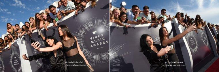 Kendall et Kylie lors des MTV VMA'S 2014, le 24 août 2014.