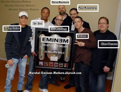 Eminem artiste de la décennie si tu prend quoi que se soit crédite