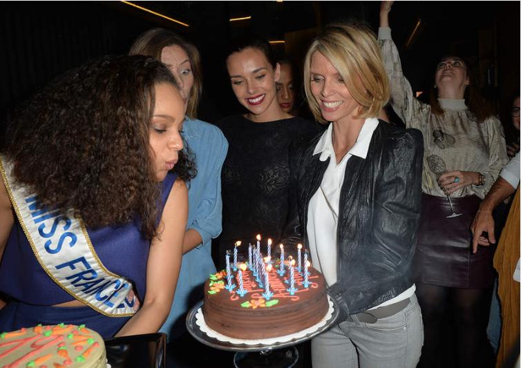 Miss France 2017 Alicia Aylies fête ses 19 ans avec Sylvie Tellier et ses copines