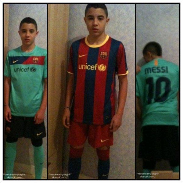 [20/12/12] Samy Seghir et le tee shirt Barca et De Messi