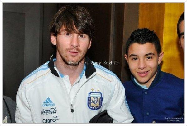 [13/02/11] Photo Fraiche de Samy Seghir au match argentine portugal a geneve Mes si avec Messi si je vous le dit !