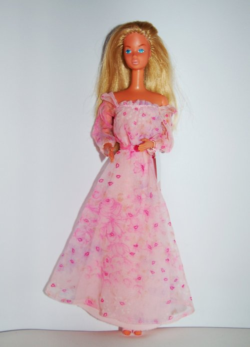 Barbie kissing 1978