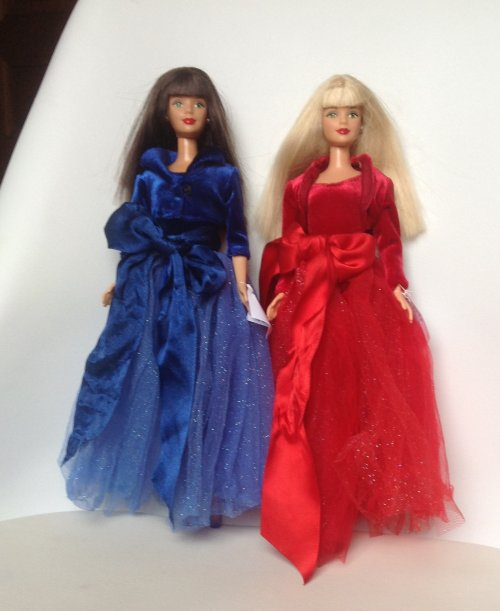 Barbie very Velvet red et blue 1998