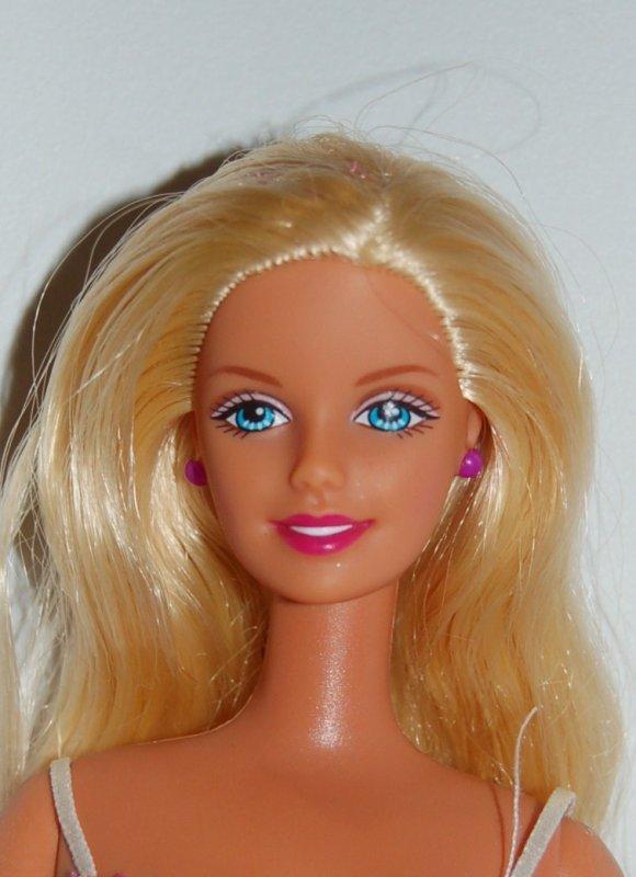 Barbie hawaii 2000