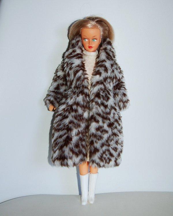 Tressy tenue ambre 1981