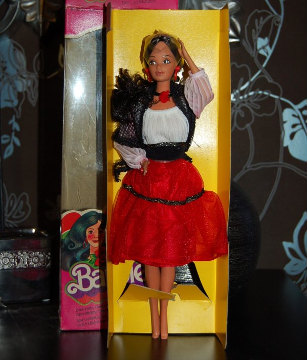 barbie hispanic 1980