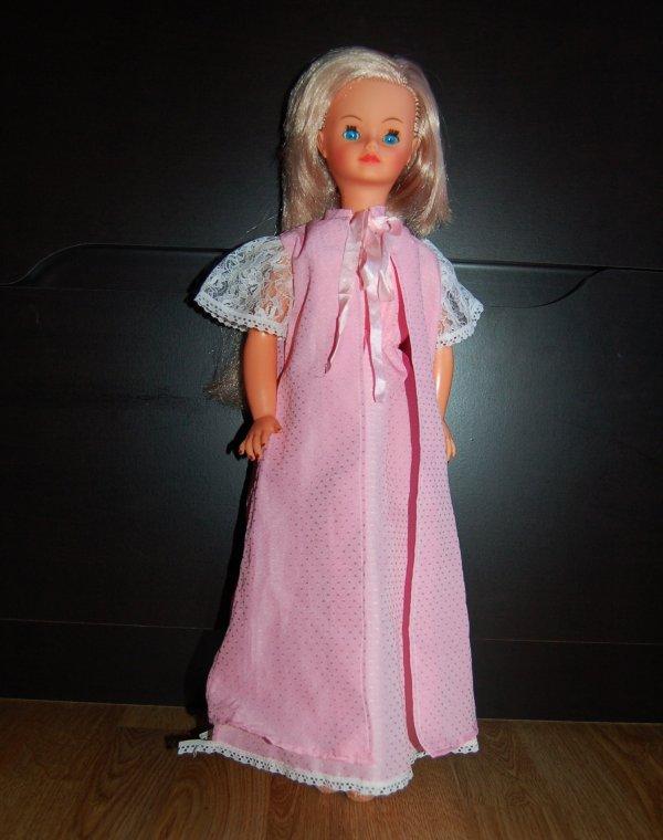 cathie tenue feminité 1980