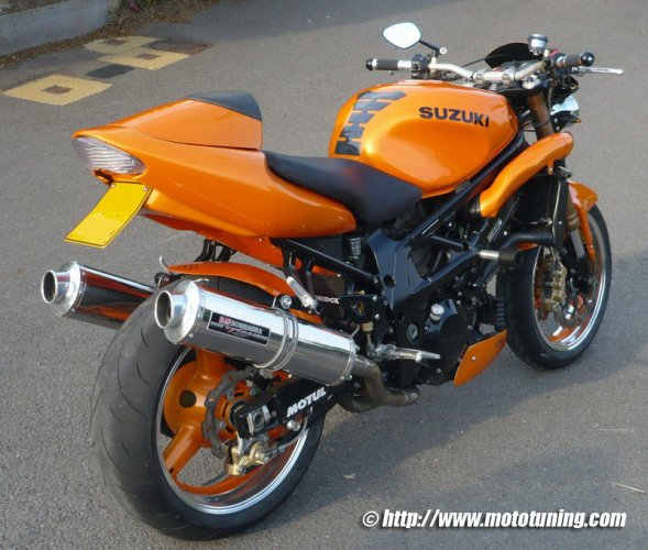 Moto de momo er6n 76