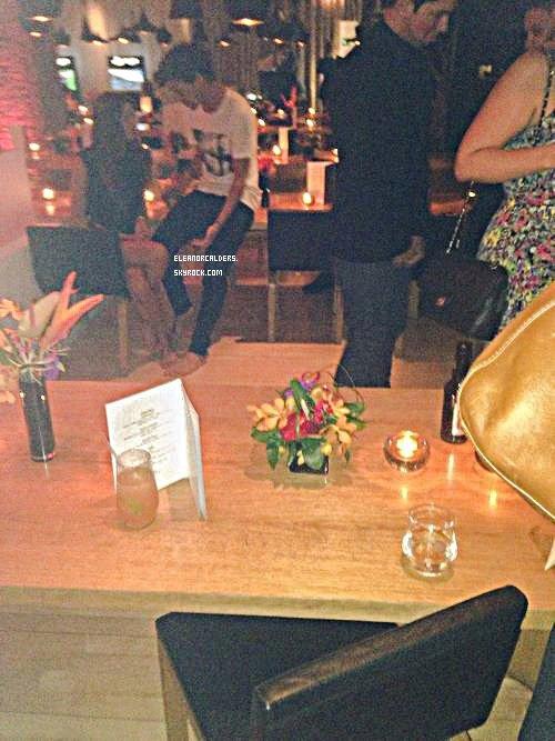 Le 13 Octobre 2013 ~ Eleanor passait sa soirée avec son ami, Max Hurd.