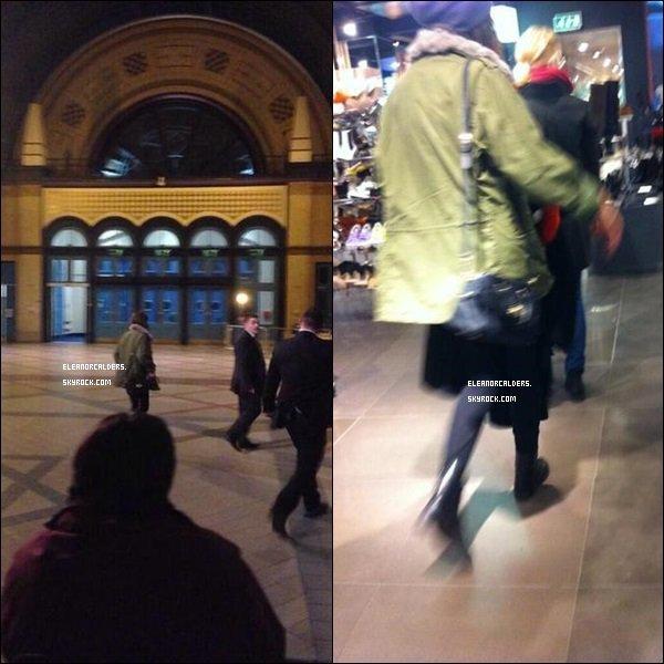 Le 18 Novembre 2013 ~ Eleanor a été aperçue sur le lieu de dédicace des One Direction, à Londres.