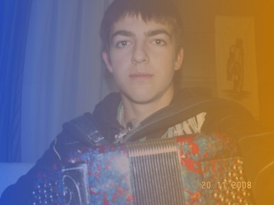 gabi: chanteur et accordéoniste