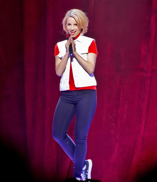 dianna agron glee 3d on tour
