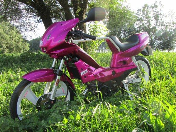 XR Vivid Magenta NU70