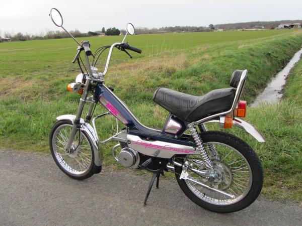"MBK 51 Daytona Cruiser ""Barbie"" 1989"