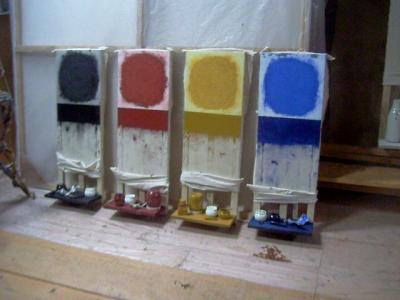 Autel, série de 18 assemblages, 3 formats, huile sur toile, tablette en bois, objets, 2007