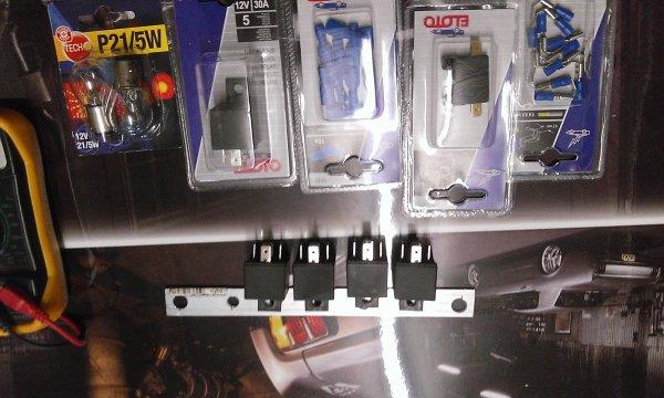 Montage relais électriques dans le coffre