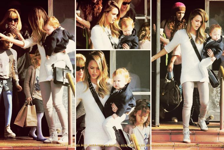 Jessica Alba de sortie avec sa maman, Honor et Haven,...