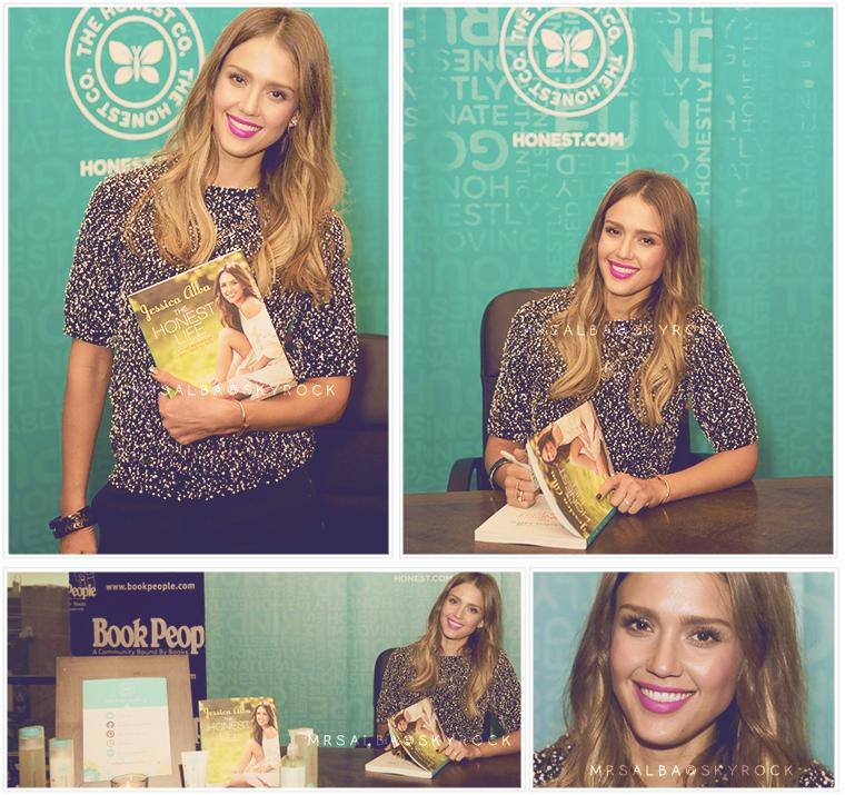 Jessica Alba dédicaçant son livre, The Honest Life à Austin #JessicaAlba #People #Fashion #TheHonestLife @JessicaAlba