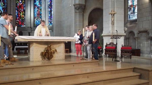 BAPTEME DE NOTRE PETITE FILLE JULIA AVEC SON PARRAIN ET MARRAINE