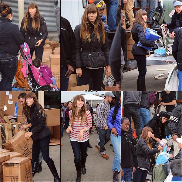 Le 10/11 : Jessica a été aperçue aidant les victimes de l'ouragan Sandy dans les rues de New York