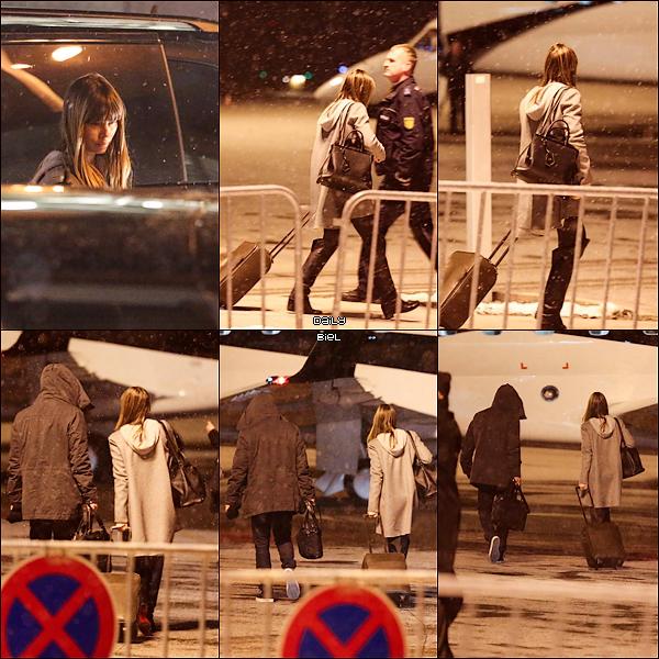 Le 23/02 : Jessica a été aperçue avec Justin rejoignant un jet privé pour quitter l'Allemagne et rejoindre la France (Paris)