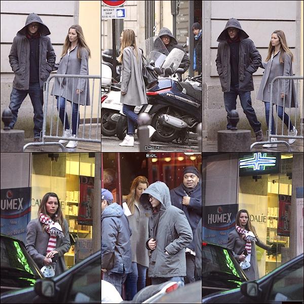 """Le 25/02 : Jessica a été aperçue avec Justin aux alentours d'un restaurant parisien """"l'Entrecôte"""""""