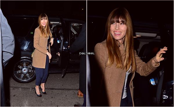 """Le 10/03 : Jessica a été aperçue, avec Justin, aux alentours de  la soirée organisée par l'émission """"Saturday Night Live"""", à New York"""