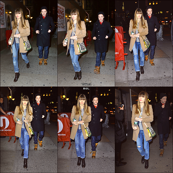 """Le 15/03 : Jessica a été aperçue, avec Justin, quittant le show  """"Book of Mormon"""" à Broadway"""