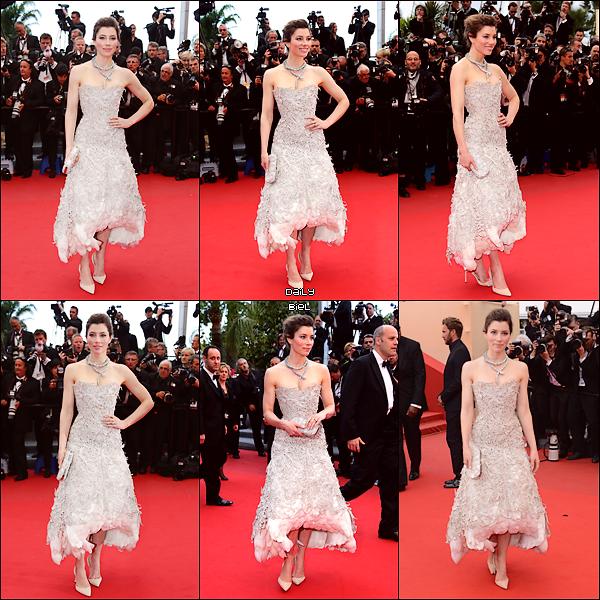 """Le 19/05 : Jessica était présente à la montée des marches de """"Inside Llewyn Davis"""" au 66° Festival de Cannes"""