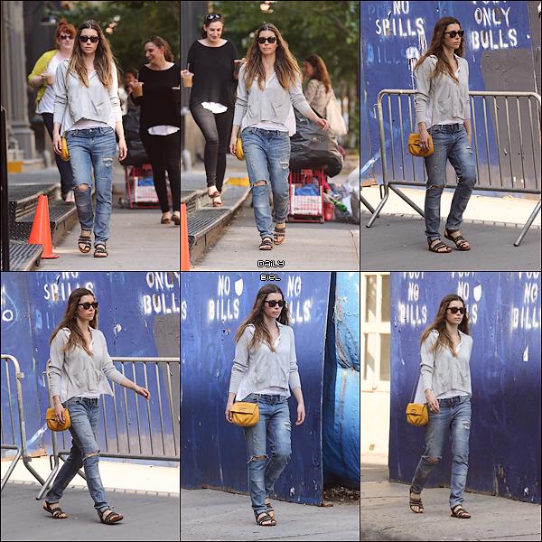 Le 29/05 : Jessica a été aperçue dans les rues de New York