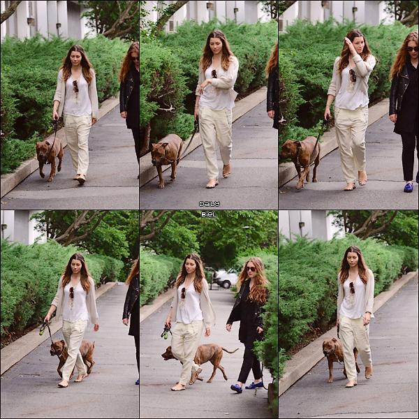 Le 11/06 : Jessica a été aperçue dans les rues de New York