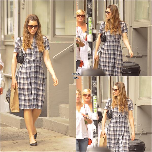 Le 03/09 : Jessica a été aperçue dans le quartier de SoHo à New York