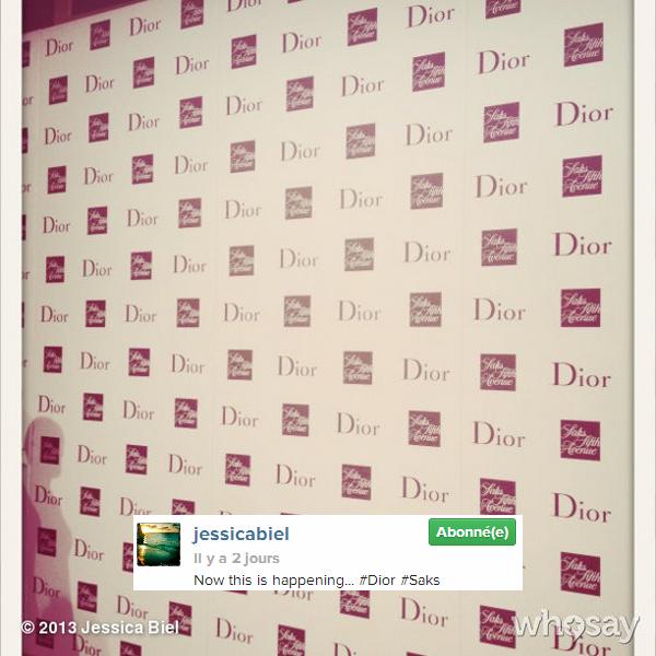 """Toujours le même jour : Jessica était présente à un dîner organisé par Dior pour la présentation de la collection """"Prêt-à-Porter"""" hiver au Saks Fifth Avenue, toujours dans le cadre de la FW de New York"""