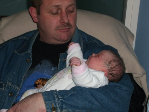 beau papa avec ma poupee
