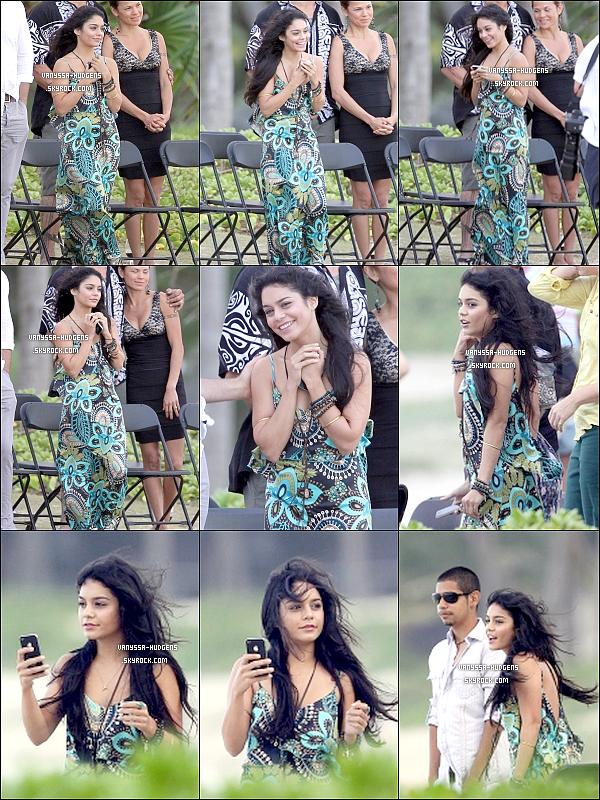 . _'Vanessa moved to a wedding ... Just radiant! 06/11/10 : Ness', toute émue, a assistée au mariage d'un ami sur une île d'Hawaii. Elle en a profitée pour prendre de nombreuses photos afin d'immortaliser ce moment ! .
