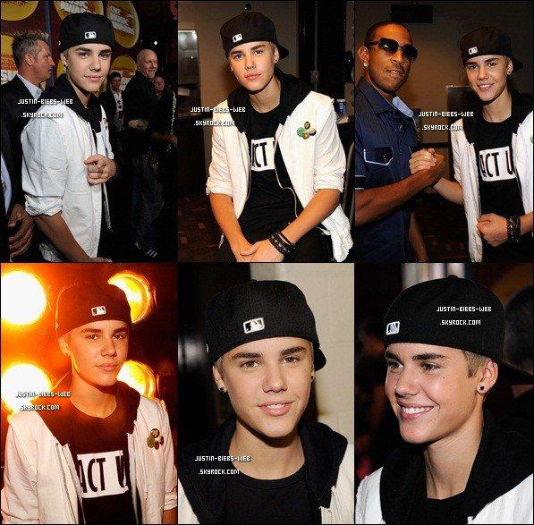 8 Juin 2011 - Justin aux CMT Music Awards à Nashville .
