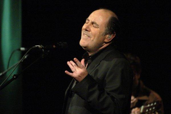 Le chanteur Michel Delpech s'est éteint samedi 2 janvier au soir à l'âge de 69 ans des suites d'une longue maladie.