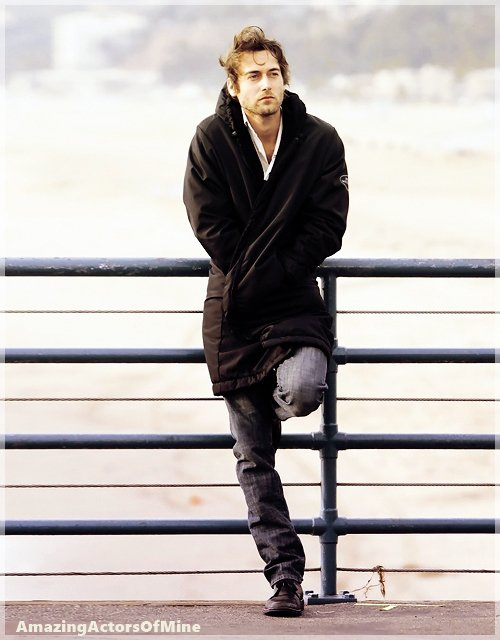 -- Ryan Eggold  Bio & Filmographie --