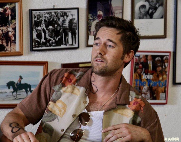 Ryan Eggold pour Battle Scars