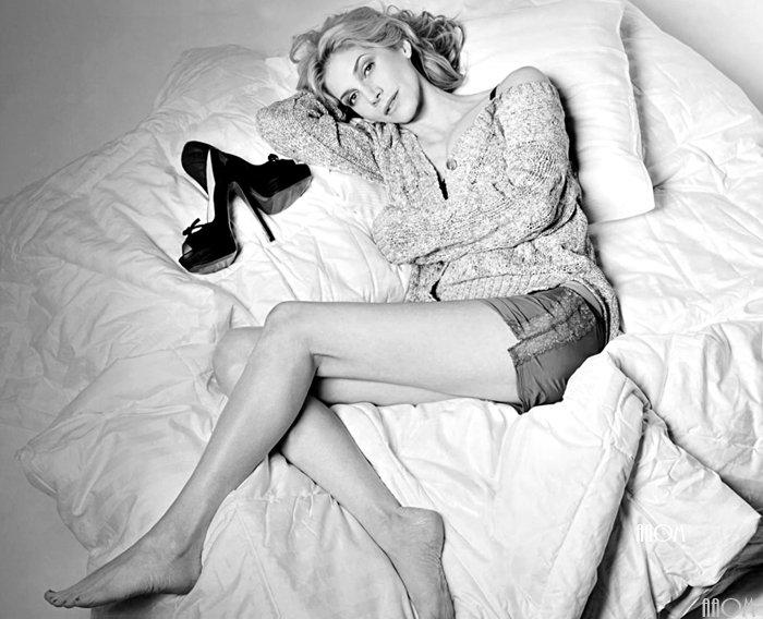 Elizabeth Black & White