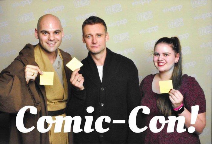 Callum Blue Oz comic con en 2016 avec des amis et des fans