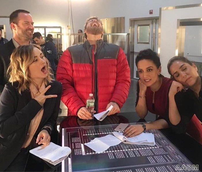 Ashley Johnson BLINDSPOT BTS #2 & photos tournage S 3