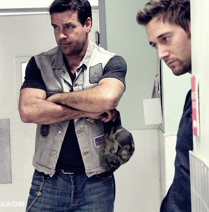 Ryan Eggold pour Battle Scars #2